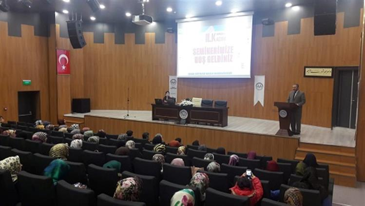Bingol'de Kuran Kursu öğreticilerine Ilk Yardım Eğitim Semineri Verildi.