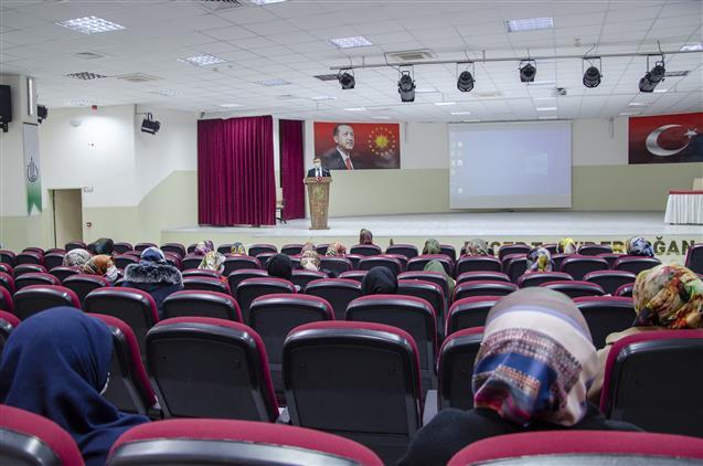 Nevşehir'de Kur'an Kursu öğreticilerine Seminer Verildi...