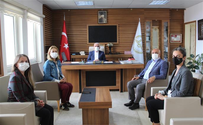 Bilecik'de Kızılay Bilecik şube Başkanı Mefail Ateş Ve Bölge Temsilcilerinden Müftü Ali Erhun'a Ziyaret
