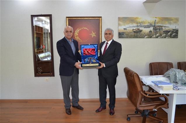 Malatya'da Il Emniyet Müdürü Dr. ömer Urhal'dan Il Müftümüze Ziyaret