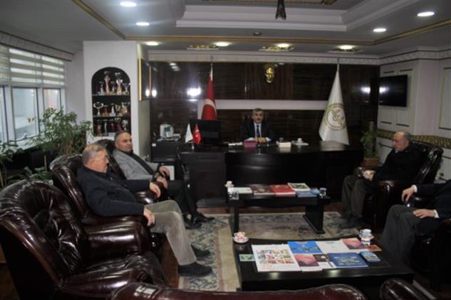 Duzce'de Il Genel Meclis üyesi Dursun Ay'dan Nezaket Ziyareti.