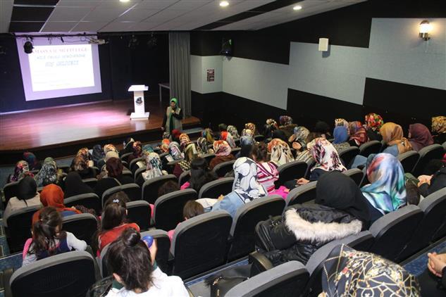 Amasya'da Il Müftülüğümüzde Aile Okulu Seminerleri Başladı