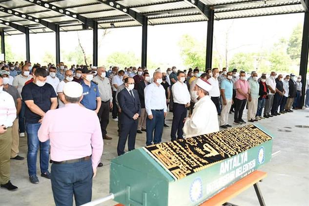 Antalya'da Il Müftümüz Aksu Belediye Başkanı Halil şahin'in Babası Ismail şahin'in Cenazesine Katıldı