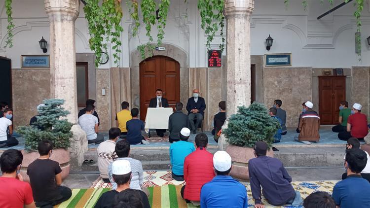 Amasya'da Il Müftümüz Büyükağa Kur'an Kursu öğrencilerini Ziyaret Etti