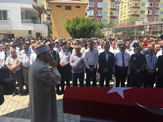 Mersin'de Il Müftümüz Emekli Uzman Jandarma Kıdemli çavuş Timur Aras'ın Cenaze Törenine Katıldı