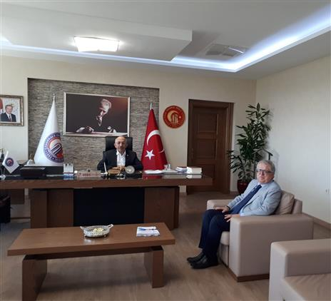 Çanakkale'de Il Müftümüz şükrü Kabukçu, çomü Rektörü Prof. Dr. Sedat Murat'a Iade-i Ziyarette Bulundu