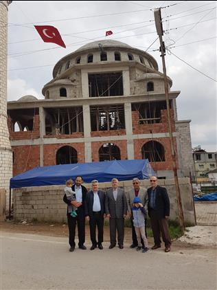 Hatay'da Il Müftümüz, Kumlu Ilçesi Hoca Ahmet Yesevi Cami Inşaatını Ziyaret Etti