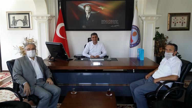Duzce'de Il Müftümüz Rüstem Can Akçakoca Kaymakamı Yasin öztürk'ü Ziyaret Etti.
