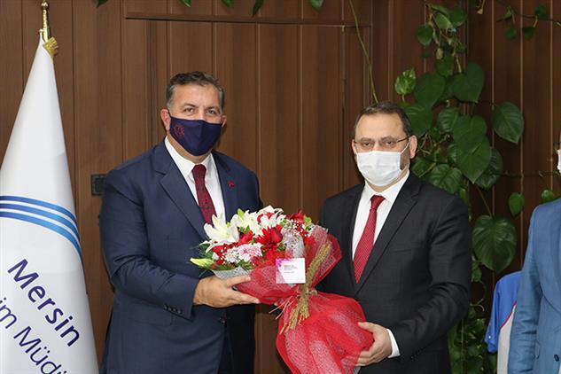 Mersin'de Il Müftüsü Dr. Kondi, öğretmenler Gününde Il Milli Eğitim Müdürü Koca'yı Ziyaret Etti