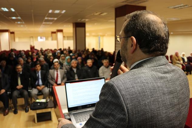 Mersin'de Il Müftüsü Dr. Kondi, Umre Bilgilendirme Seminerine Katıldı