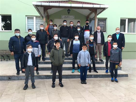 Sinop'ta Il Müftüsü Düzgüney Sabah Namazında Gençlerle Buluştu