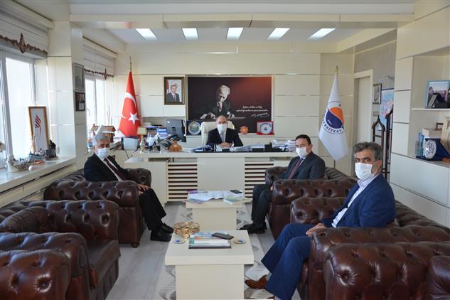 Sinop'ta Il Müftüsü Düzgüney'den Rektör Nihat Dalgın'a Iadeyi Ziyaret