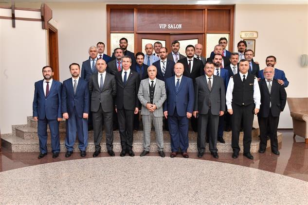 Denizli'de Ilçe Müftüleri Toplantısı Vali Karahan Başkanlığında Yapıldı