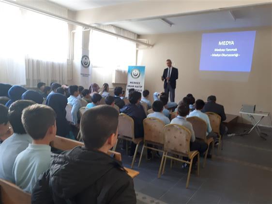 Afyonkarahisar'da Medya Okuryazarlığı Konferansını Gerçekleştirdik