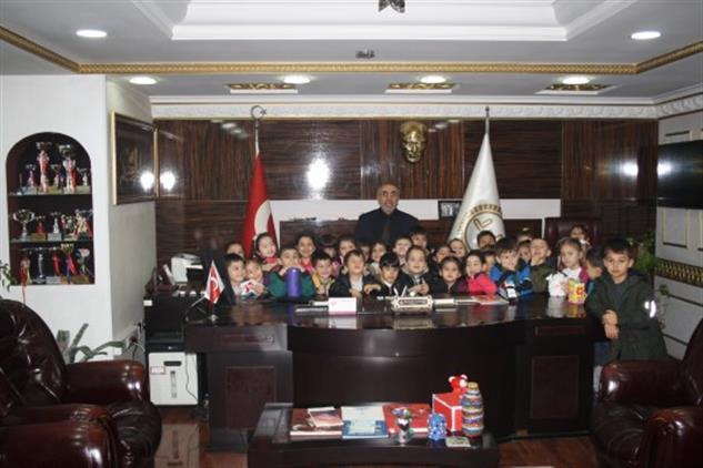 Duzce'de Mehmet Akif Ersoy Minikleri De Yardım Kampanyasına Katıldı.