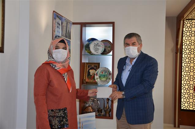 Antalya'da Merhum Osman Oğuzcan'ın Eşinden Müftülüğümüze Ziyaret