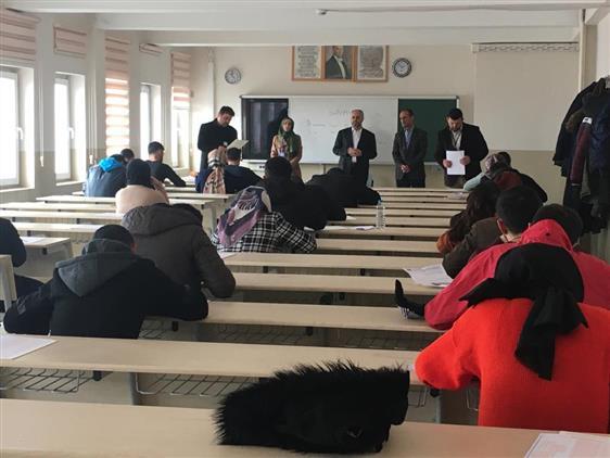 Ardahan'da Mevlid-i Nebi Gençlik Bilgi Yarışması Yapıldı