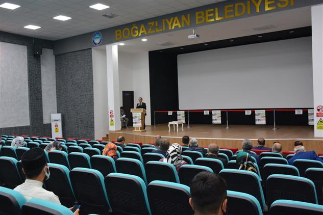 Yozgat'de Müftü Gülden'den Cami Görevlilerine ''vefa'' Konferansı