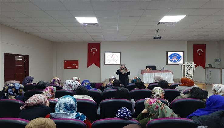 Erzincan'da Müftülüğümüz Dini Danışmanları Ve Kur'an Kursu öğreticileri Tarafından Kyk Yurtlarında Regaip Kandili Programı Düzenlendi