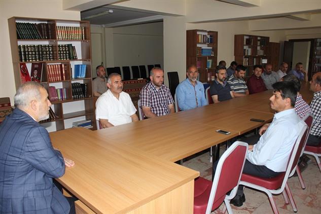 Erzincan'da Müftümüz Daire Personelinin Kadir Gecesini Tebrîk Etti