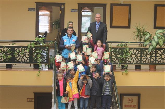 Kilis'de Minik Yüreklerden Yemene Kocaman Yardım
