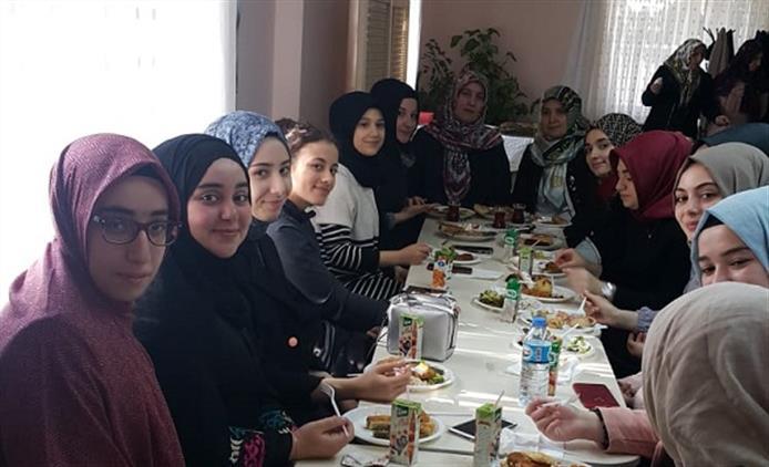 Yalova'da üniversite öğrencileri Kur'an Kursunda Buluştu.