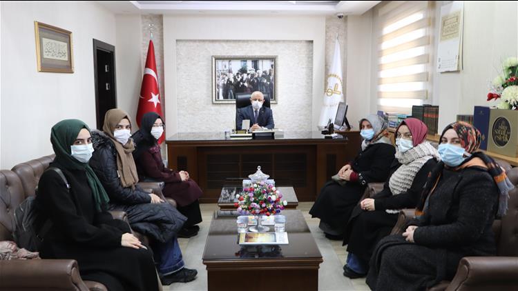 Sivas'ta üniversite öğrencilerinden Müftü Akkuş'a Ziyaret