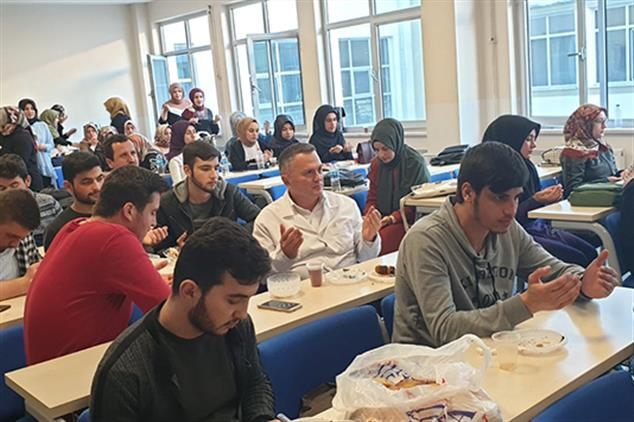Giresun'da üniversite öğrencilerine Ikram