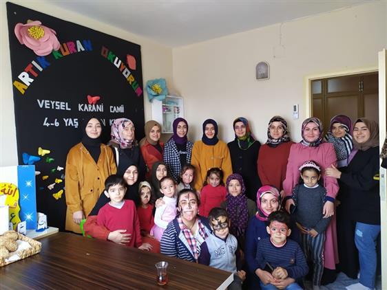 Osmaniye'de üniversiteli Gençler 4-6 Yaş Kur'an Kursunu Ziyaret Ettiler