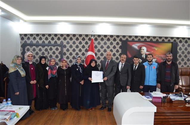 Malatya'da üniversiteli Gençlerden Yemen Ve Doğu Türkistan'a Bağış