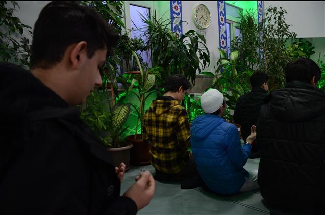 Nevşehir'de Sabah Namazı Cami-gençlik Buluşması çiçekli Camii'nde Yapıldı