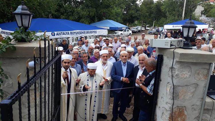 Antalya'da Sadık çavuş Camii Dualarla Ibadete Açıldı.
