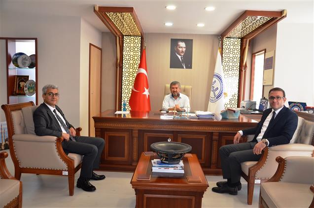 Antalya'da Sanayiveteknoloji Il Müdürü Ve Ticaret Il Müdüründen Il Müftümüze Ziyaret