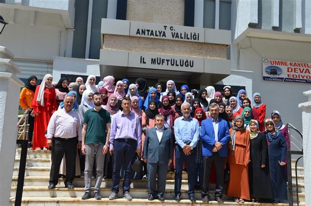 Antalya'da Sancak Bölgesi Imam Hatipli Kızlardan Müftülüğümüze Ziyaret