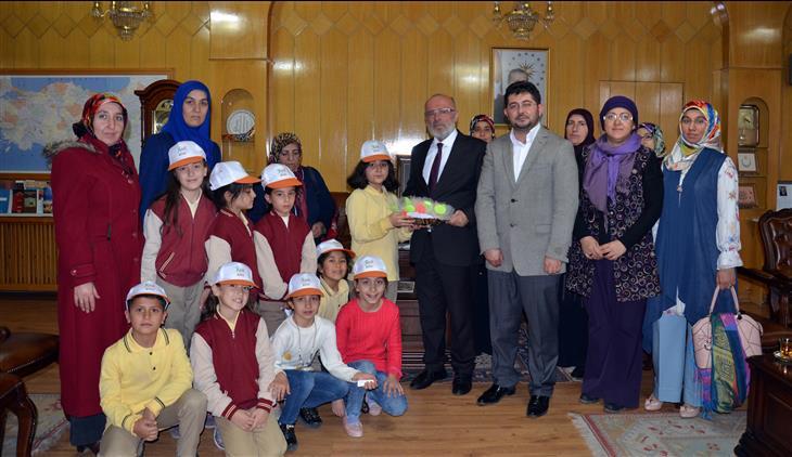 Konya'da Istiklal Ilkokulu'ndan Poçanoğlu'na Ziyaret