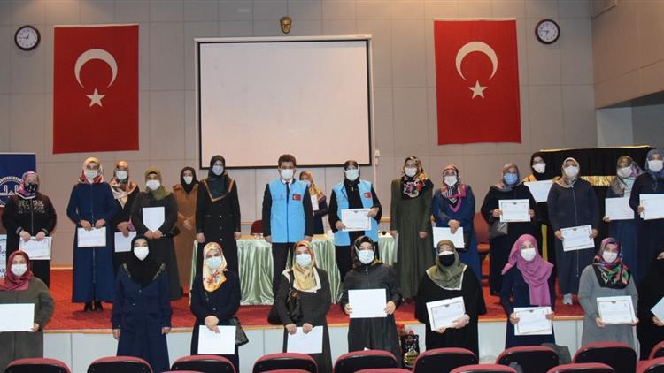 Tdv Trabzon Kadın Kolları Başkanı Ve Temsilcilerine Teşekkür Belgesi Verildi