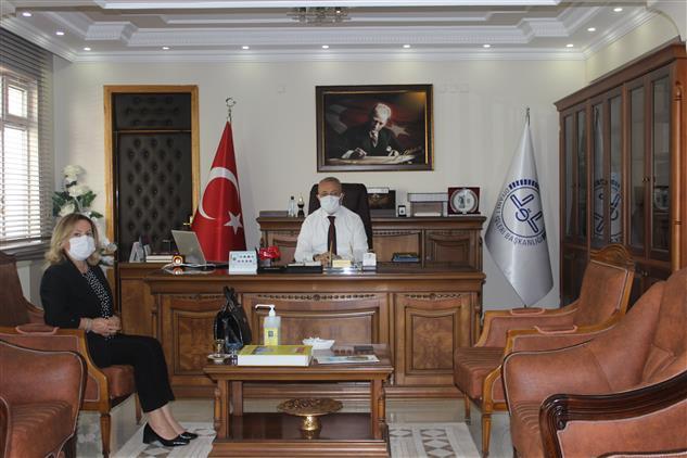 Tokat Ptt Baş Müdürü Muhterem Demir Il Müftüsü Abdullah Pamuklu'yu Ziyaret Etti