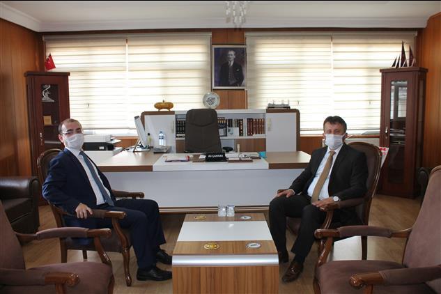 Osmaniye'de Toprakkale Kaymakamı Ali Ihsan Selimoğlu, Il Müftüsü Ali çakmak'ı Ziyaret Etti