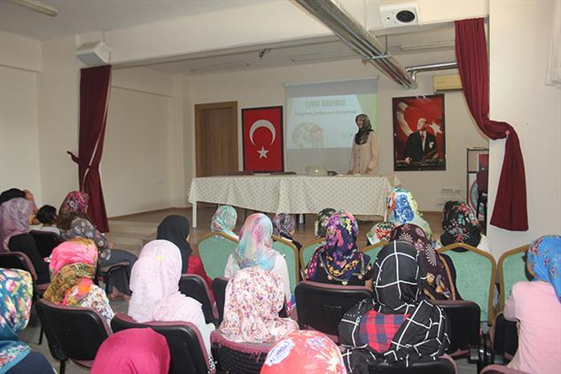 Mersin'de Toroslar Akşemsettin Ortaokulu Kur'an Kursunda Yaz Kur'an Kursu Semineri Gerçekleştirildi