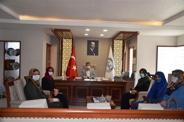 Türkiye Diyanet Vakfı Antalya şubesi Kadın Kolları Toplantısı Yapıldı