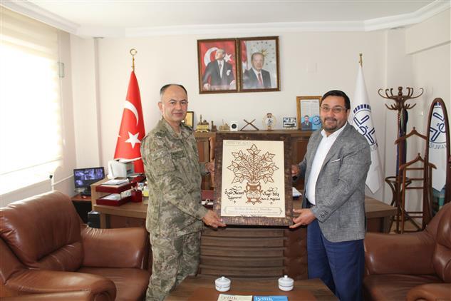 Kars'ta Tuğgeneral'den Il Müftüsüne Veda Ziyareti
