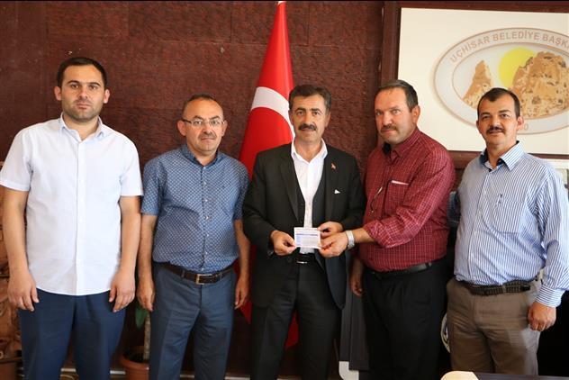Nevşehir'de Uçhisar Belediye Başkanı Osman Süslü Kurbanını Diyanet Vakfı'na Bağışladı