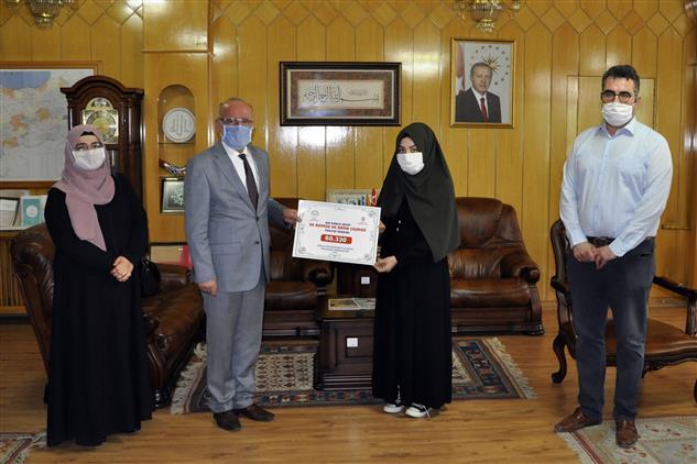 """Konya'da Uluslararası Ilahiyat Programı öğrencilerinden 60.330 Tl """"su Kuyusu"""" Bağışı"""