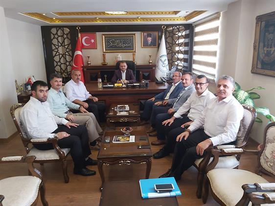 Mersin'de V. Etkili Hutbe Sunumu Türkiye Finali Yarışması Yüksek Seçici Kurul üyeleri Il Müftümüzü Ziyaret Etti