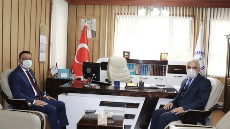 Siirt'te Vali Hacıbektaşoğlu'dan Il Müftüsüne Ziyaret