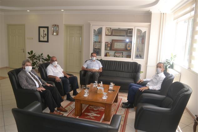 Manisa'da Vali Yardımcısı Sn. Ahmet Yılmaz Il Müftümüz Sn. Mustafa Soykök'ü Ziyaret Etti