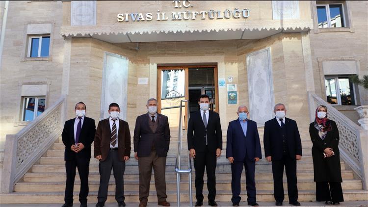Sivas'ta Vali Yardımcısı Temel'den Il Müftülüğüne Ziyaret