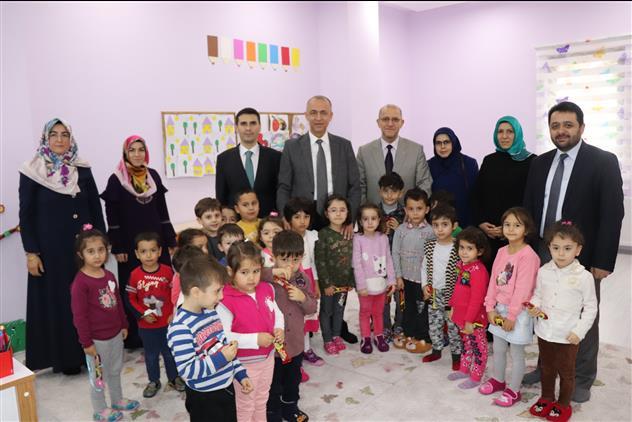 Cankiri'da Valimiz Hamdi Bilge Aktaş'tan 4-6 Yaş Kuran Kursuna Ziyaret