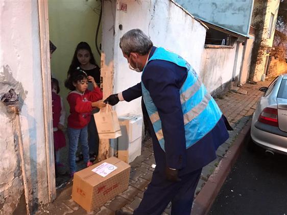 Sivas'ta Yardım Kolileri Ihtiyaç Sahiplerine Ulaştırılıyor