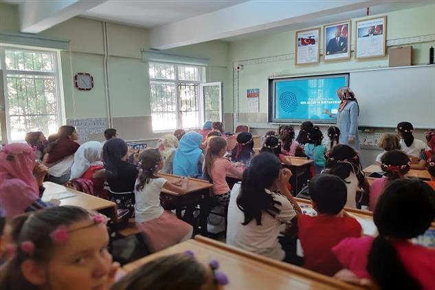 Niğde'de Yaz Kur'an Kursu öğrencilerine Yönelik Seminerler Düzenlendi.